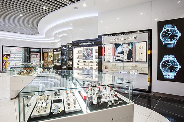 Collection, Heathrow, Terminal 4